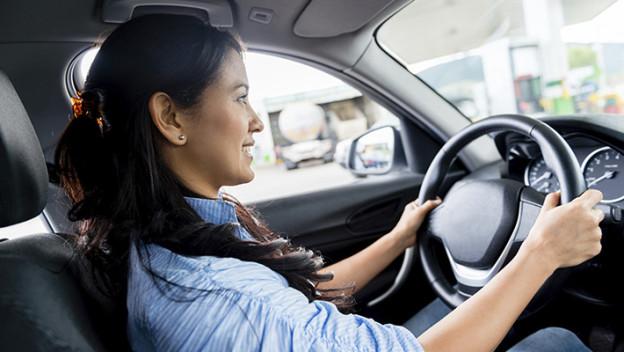 Las-licencias-de-conducir-para-indocumentados-en-California-superan-todas-las-expectativas-624x352